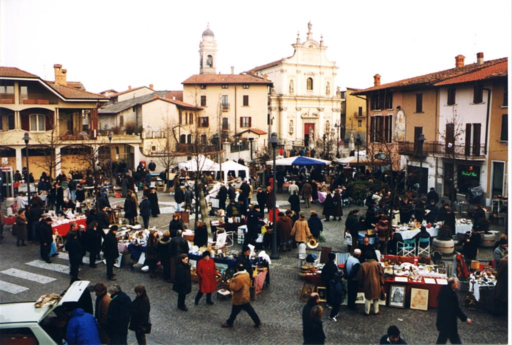 Le cose della nonna mercato dell 39 antiquariato a verdellino - Mercatino antiquariato verdellino ...